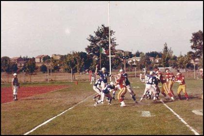 """Il QB si toglie dai guai. Gladiatori vs. Lupi (""""V. Lombardi"""" 3 Agosto 1980)"""